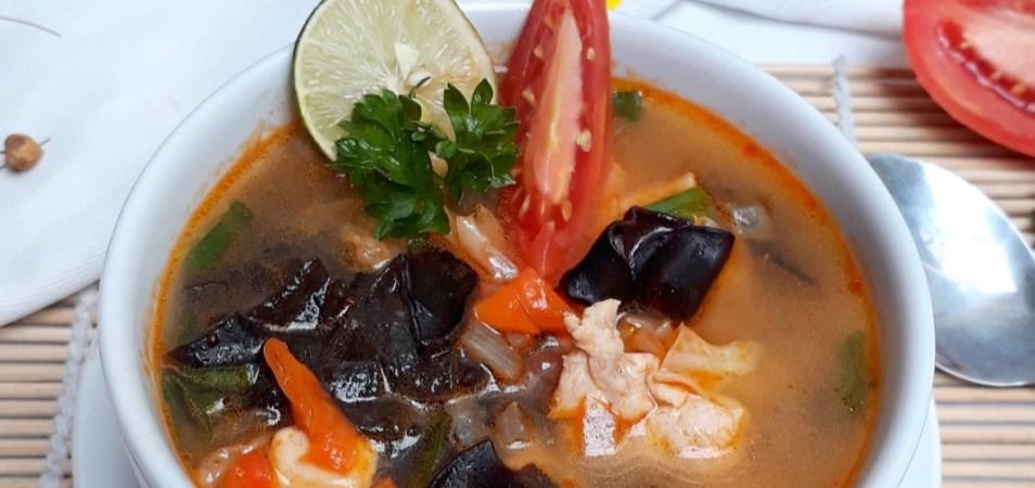 Sup Jamur Kuping Asam Pedas