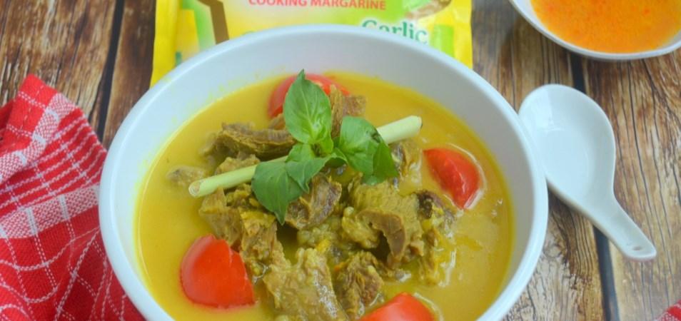 Soto Kuning Daging Sapi
