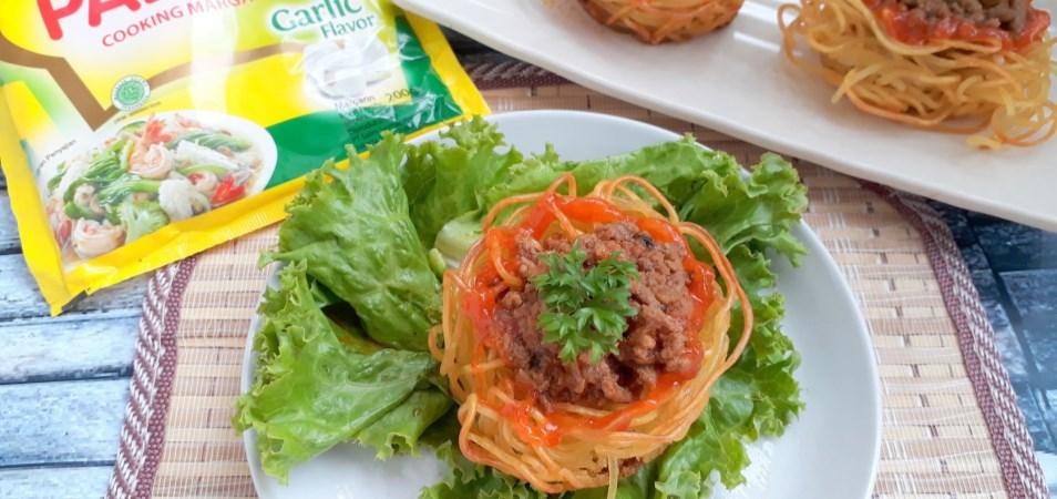 Mangkuk Mie Isi Daging Cincang