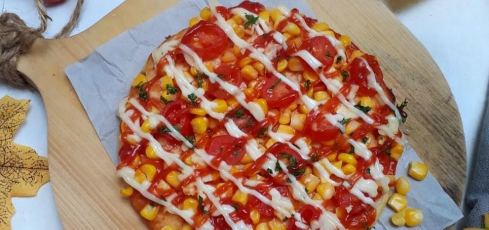 Tomato Corn Pizza