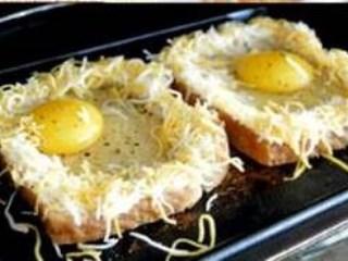 Roti Panggang Telur Leleh Keju